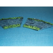 19 - TH16 - 2 x 1/2 curved river sections with banks Painted or unpainted